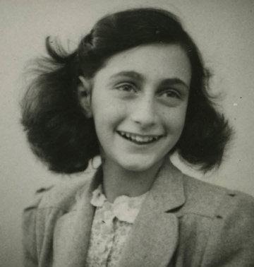 Laatste foto van Anne Frank, 1942 (© AFS/AFF)