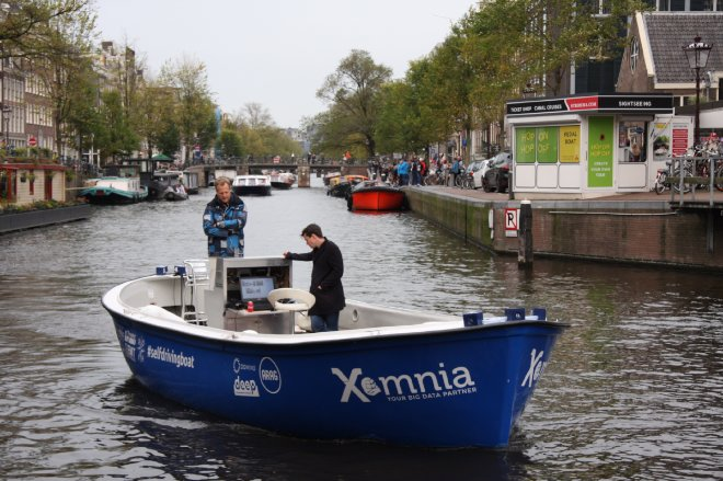Self-driving boat
